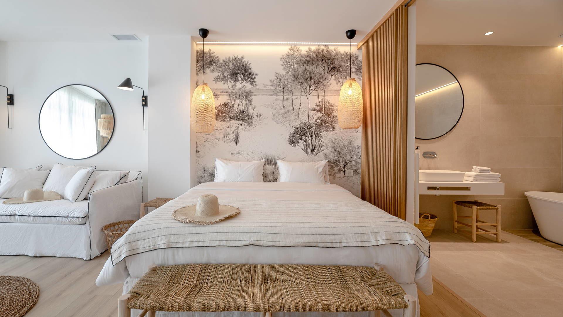 Chambre blanche & grise hotel méditerranée
