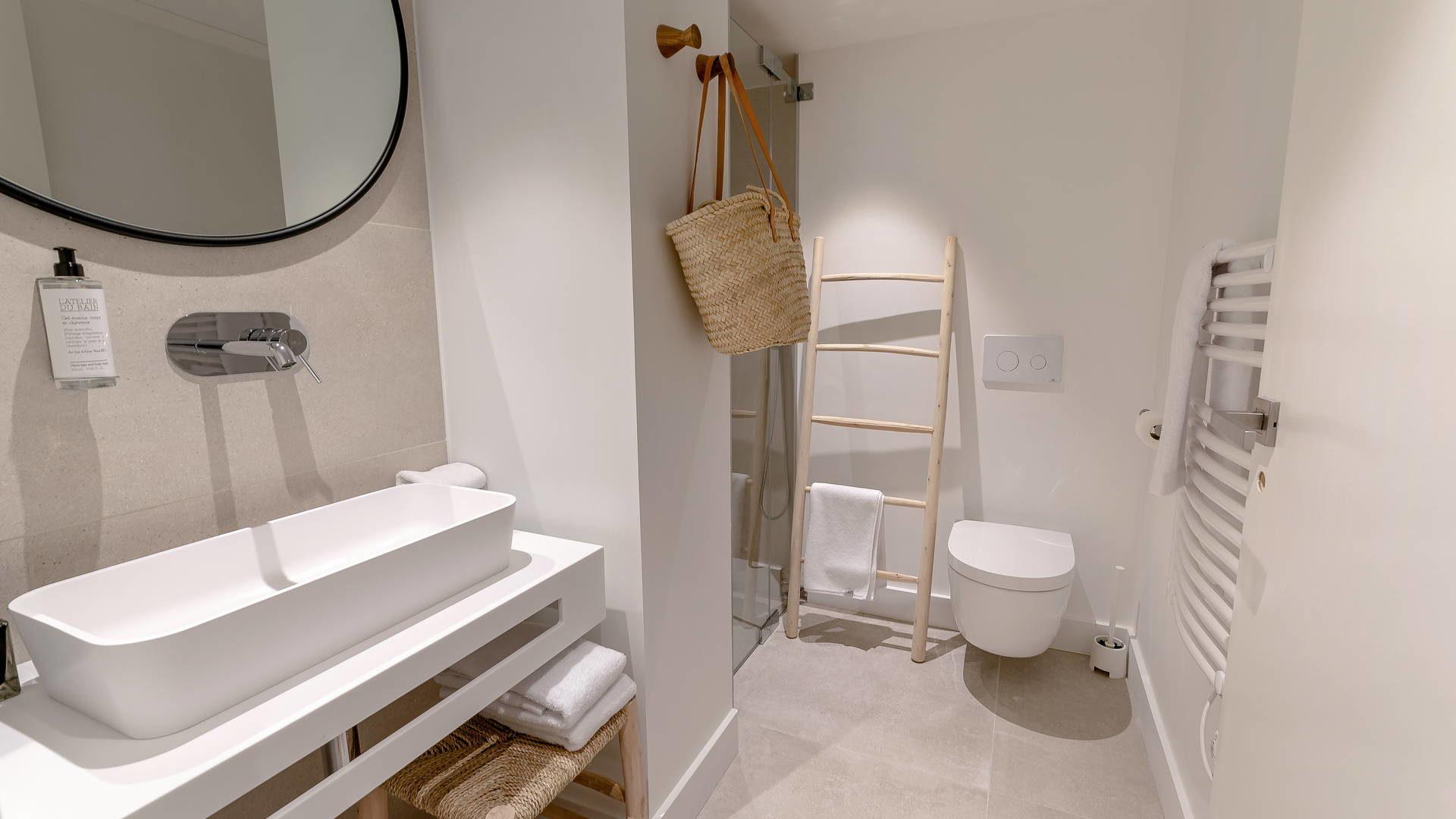 salle de bain moderne hotel bord de mer collioure